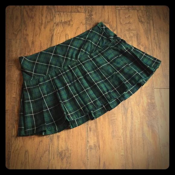 49b1743c0d Hot Topic Dresses & Skirts - 🍎Plaid school girl skirt🍎